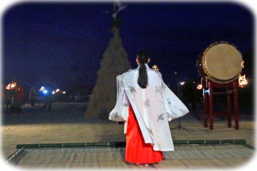 巫女舞05
